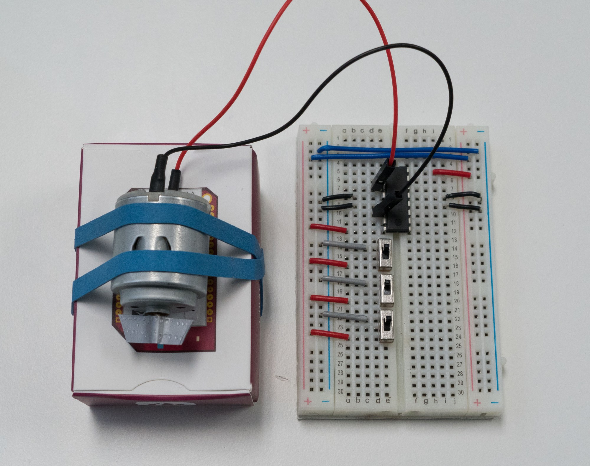 hight resolution of the motor h bridge and switches wired