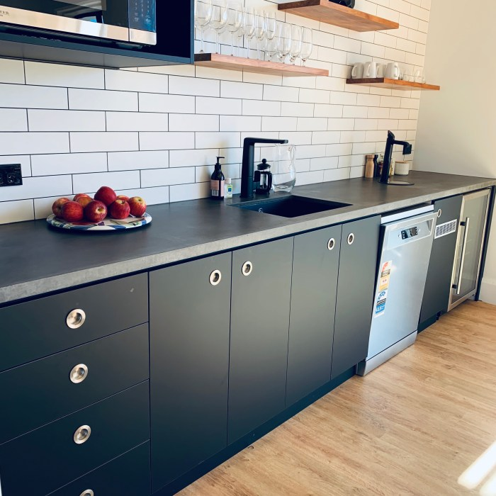 OFFICE KITCHEN BENCH – HALCYON PROJECT MANAGEMENT