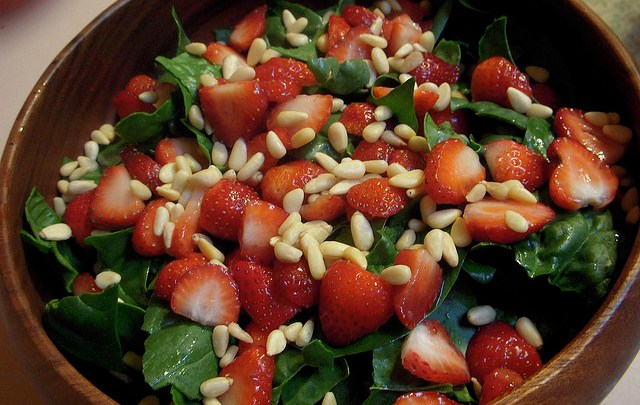 Super Immunity Diet: Plus Strawberry Romaine Salad with Pine Nuts and Strawberry Sesame Vinaigrette