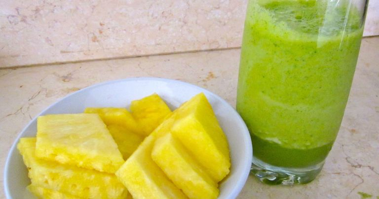 Sweet Pineapple Green Smoothie