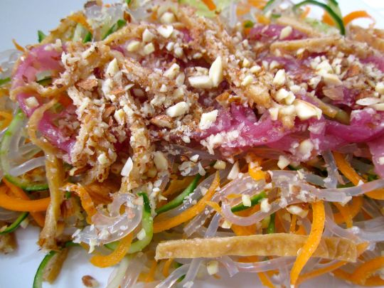 living-food-mekong-salad