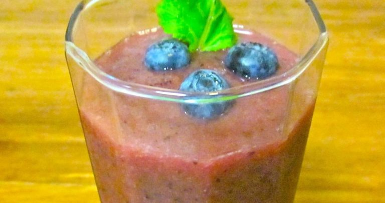 Energizing Breakfast Fruit Smoothie