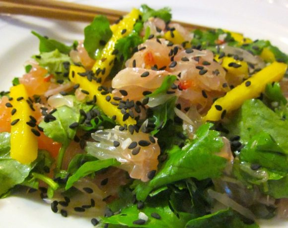 Pomelo Salad with Spicy Thai Dressing