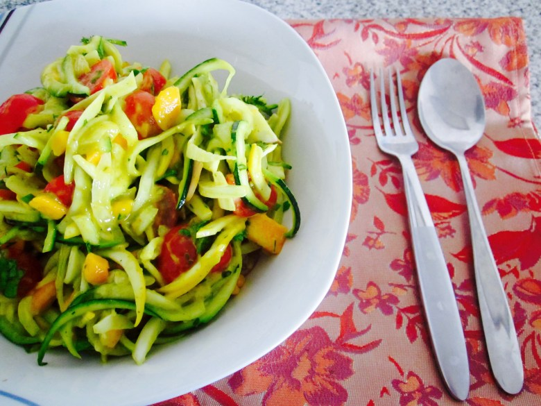 zucchini-noodles-curry-mango