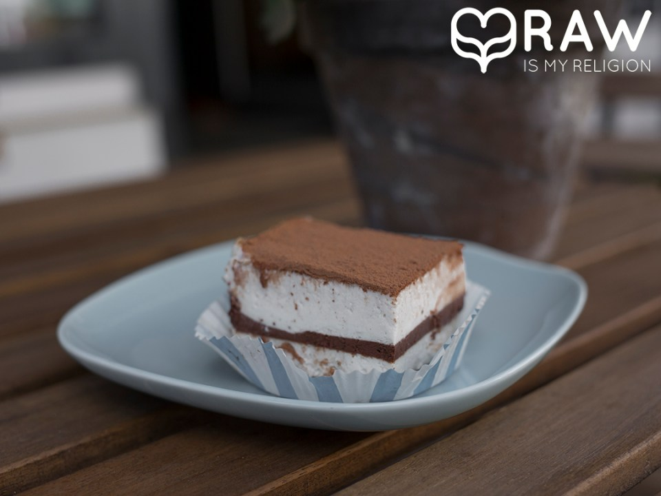 Raw vegan Tiramisu Gracias madre Raw Food Hamburg