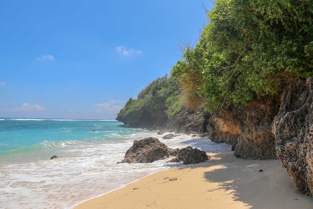 gunung payung beach nusa dua bali