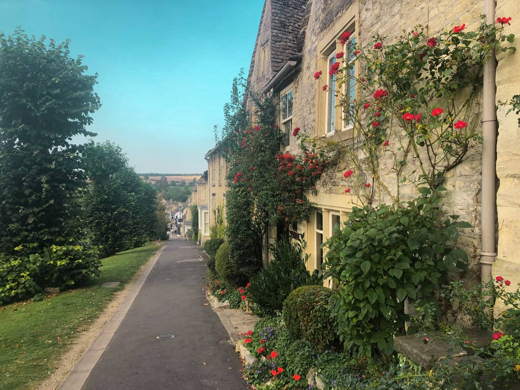 pretty villages in cotswolds, burford