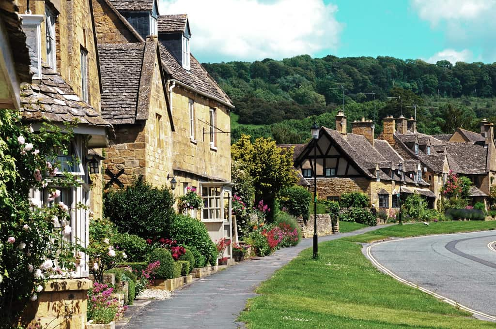 pretties villages in the cotswolds