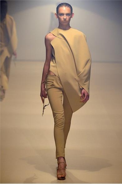 Mugler Spring 2012 Paris Fashion Show