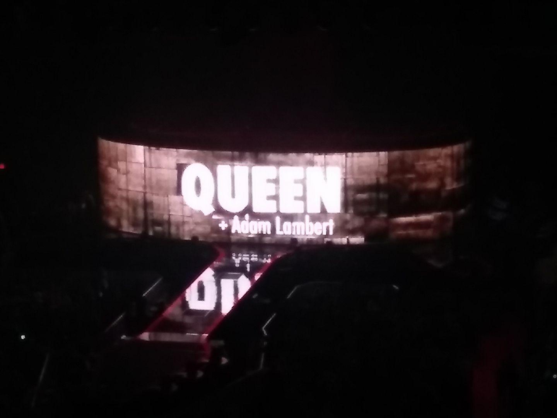 Queen_Adam_Lambert_stage