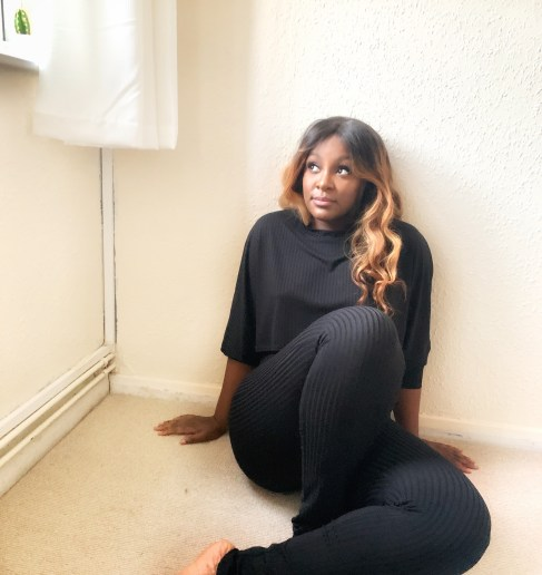 raychel_says_femme_luxe_finery_black_ribbed_loungewear_romina