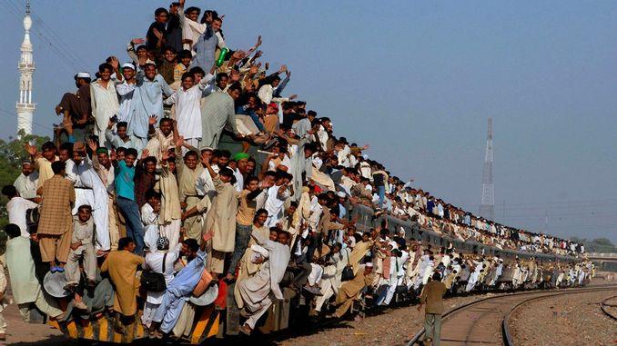 Dünyanın En Kalabalık Treni