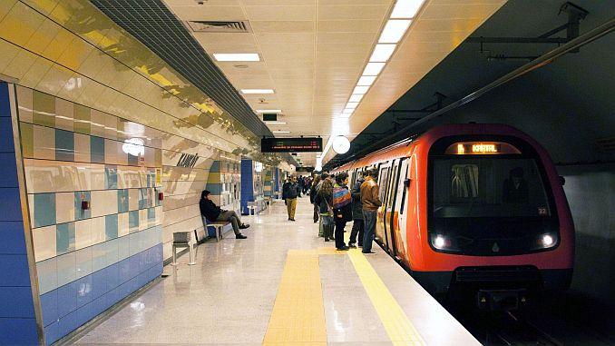 Líneas de metro y metrobús de Estambul.