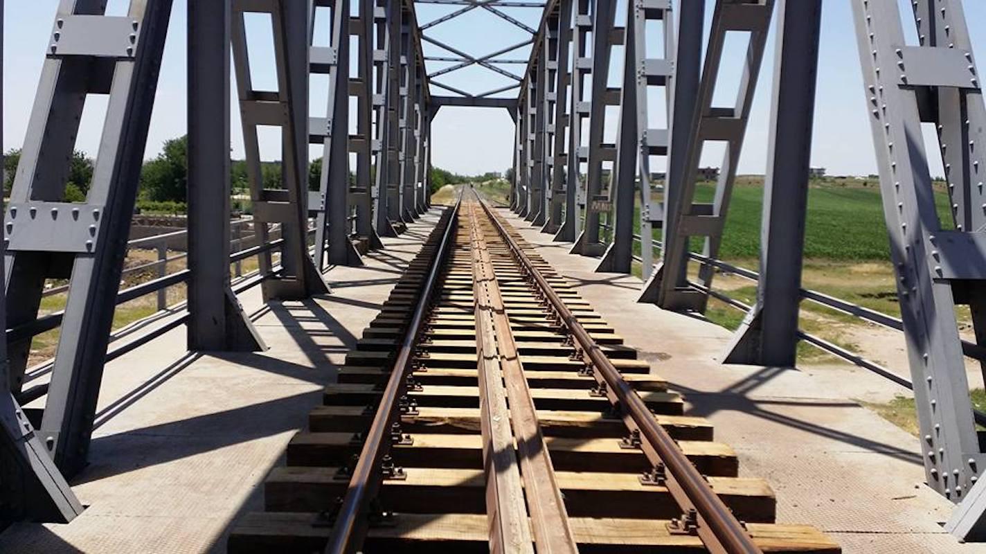 wooden sleepers bridge