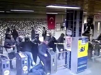 napoli fan pulled sirinevler subway together