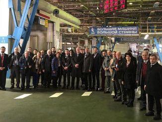 turkiye yenidən buyuyen rus avtomobil bazarında liderlik pesinde