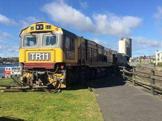 беспилотный поезд ЮК едет в Австралии