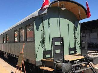 historic doctor wagon