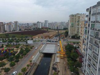 turkmenbasi bulvari connects to the highway