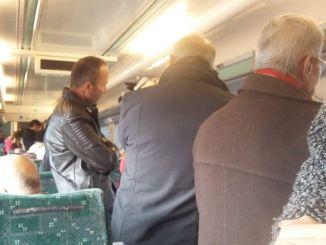 zonguldak Karabuk vis stapel trein