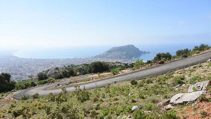 alanya belediyesi'nden rekor 5 yilda 216 km yeni yol acildi