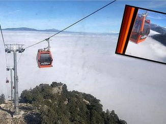 the fog that was effective in the sea revealed postcard images in the ropeway