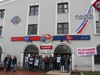 Izban Streik ein Dumen gefriert, als würde es die Antwort der Heimarbeiter sagen