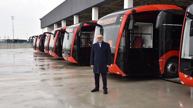 नवीन वर्षाच्या पहिल्या महिन्यामध्ये मॅनिकान्स इलेक्ट्रिक बसमध्ये जातील