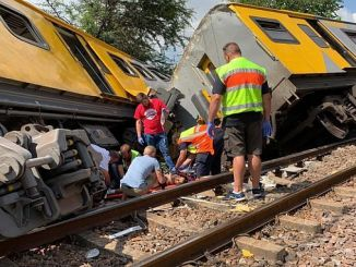 South Africa Train Crash 4 Person Dead 600 Injured