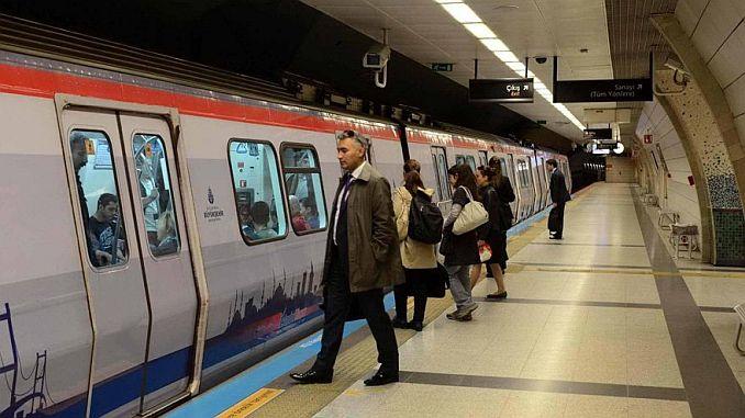 2018 million passengers in 663