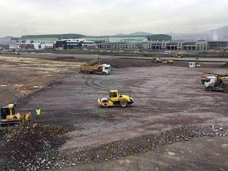вторая взлетно-посадочная полоса в аэропорту Сабиха Гекчен