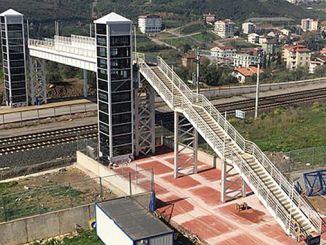Tatvan to the port of the pedestrian pedestrian overpass construction