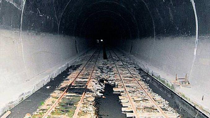 wakati wa hatima katika tunel ya Ayas
