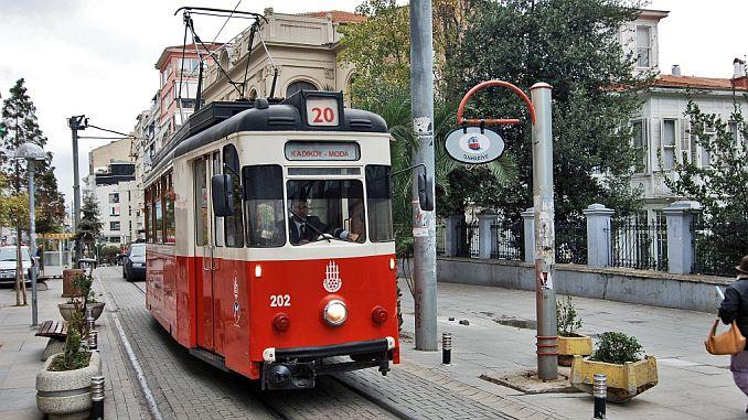kadikoy fashion tram stops and guzergahi