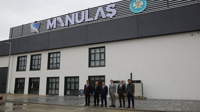 manulas new service building
