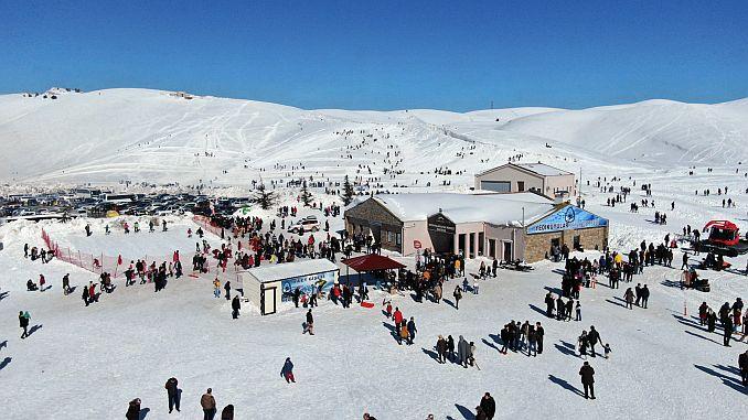 ateikuyular continues the visitor's akini to the ski resort