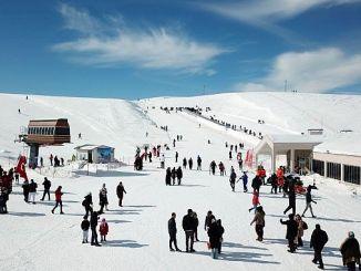 der Besucher in das Skigebiet