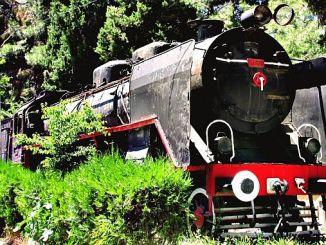 """""""Čierny vlak"""" vystavený na Burdurskej železničnej stanici"""