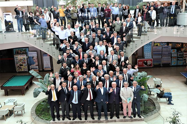arikanin workers celebrate the day of the world railway