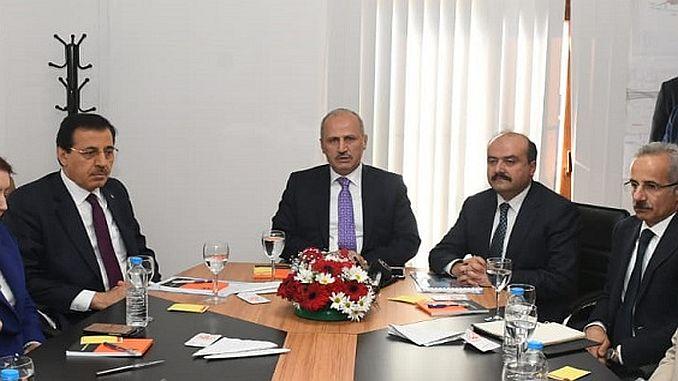 Turhan Bolu untersucht den Weg zum Zentrum von Guney Cevir