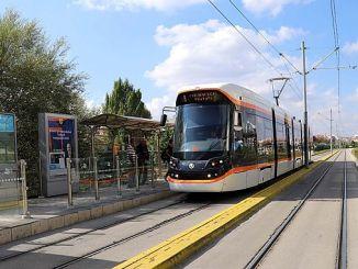 Die Straßenbahn zum Eskisehir City Hospital startet