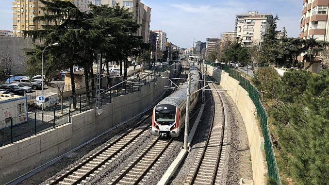 Сколько стоит билет на поезд в Гебзе?