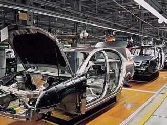 انخفض قاطرة التصدير في subat السيارات