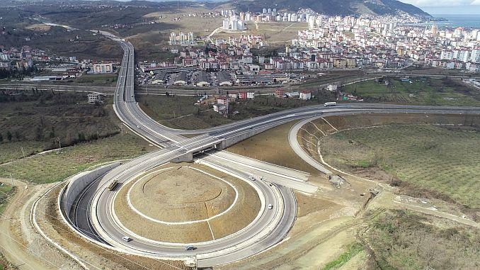 Armee Straßenverkehr hat den Stadtverkehr entlastet