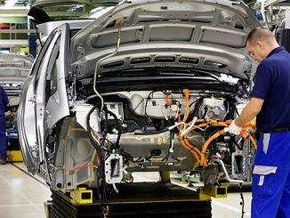 Der Automobilsektor sollte Gewicht verleihen