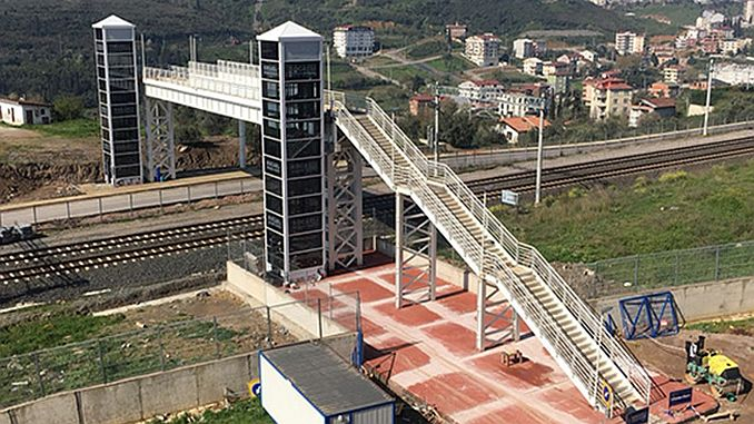 Tatvan to the port of the pedestrian pedestrian overpass construction