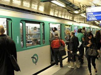 kota mana di Eropa yang menyediakan layanan metro sepanjang malam