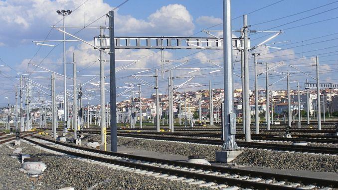বিস্ফোরণ এবং বাজ poles AG og এবং দুর্বল বর্তমান ইনস্টলেশনের পরিমার্জন