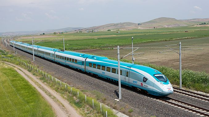Bursanin Doel Speed ​​Train Airport Highway-integratie