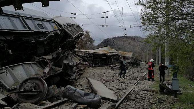 вагоны отделили от поезда на траулере во Франции